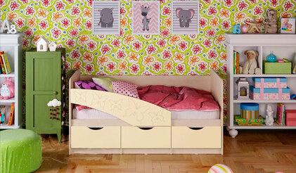 Детская кроватка Бабочки. Ваниль 1.8